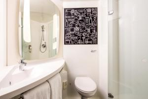 A bathroom at ibis London Docklands Canary Wharf