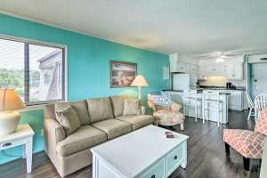 Beachfront Resort Condo with Pool-View Balcony!