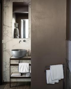 A bathroom at Corte Guelfa