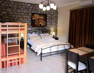 Postel nebo postele na pokoji v ubytování Estia Holiday