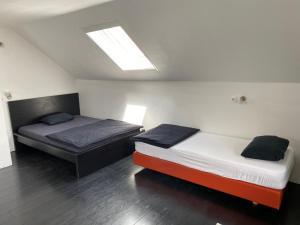 Łóżko lub łóżka w pokoju w obiekcie The best hostel