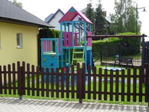 Plac zabaw dla dzieci w obiekcie Willa Global