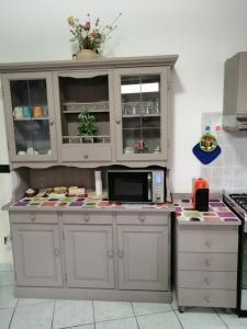 A kitchen or kitchenette at Come A Casa Tua