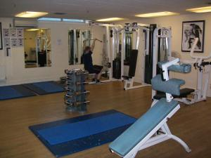 The fitness center and/or fitness facilities at Elstead Hotel