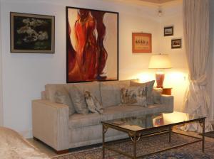 A seating area at Die Villa Mettmann