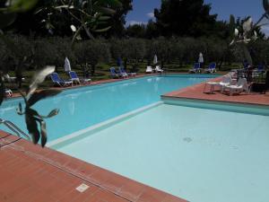 The swimming pool at or near Agriturismo Ristorante Villa Nottola