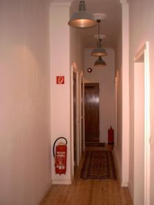 A bathroom at Buch-Ein-Bett Hostel