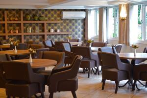 The lounge or bar area at Hotel Sky Ville Canela