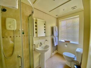 A bathroom at Newton House
