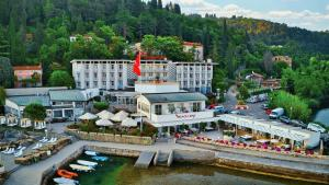 A bird's-eye view of Barbara Piran Beach Hotel & Spa