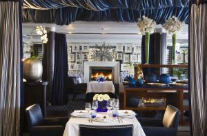 A restaurant or other place to eat at Twelve Apostles Hotel & Spa
