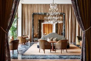 A seating area at De L'Europe Amsterdam – The Leading Hotels of the World