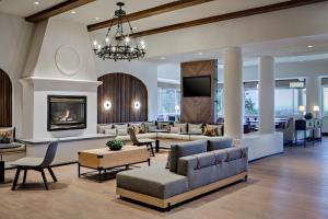 A seating area at Chaminade Resort & Spa