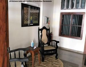 A seating area at 7HCR Residencies 2 bed studio 2-1 in Colombo 2