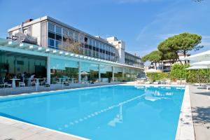 Piscina di Italiana Hotels Florence o nelle vicinanze
