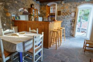 Εστιατόριο ή άλλο μέρος για φαγητό στο Βίλλα Μανδράκι