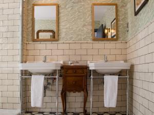 A bathroom at The Pilot Boat