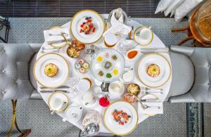 Breakfast options available to guests at Four Seasons Hotel Lion Palace St. Petersburg