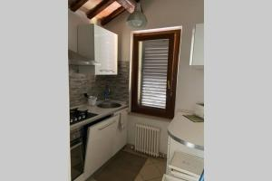 A kitchen or kitchenette at Casa di Adele