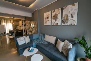En sittgrupp på Into The Blue Luxury Living