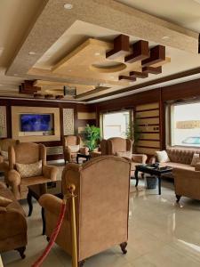 O saguão ou recepção de Alshahamah Hotel Apartments