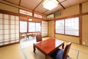 Een zitgedeelte bij Yudanaka Seifuso