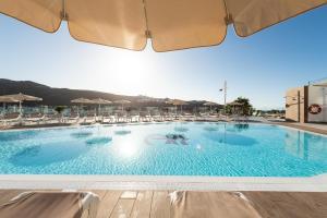 Het zwembad bij of vlak bij TC Apartamentos Rocamar
