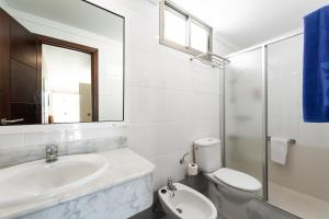 Een badkamer bij TC Apartamentos Rocamar