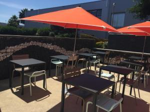 Restaurant ou autre lieu de restauration dans l'établissement Campanile SETE - Balaruc