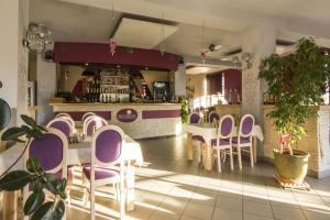 Hol lub bar w obiekcie Hotel Notabene