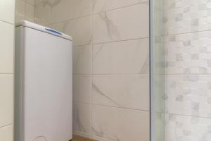 A bathroom at Maras Luxury Apartment