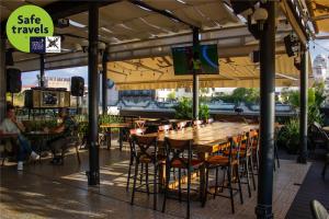 Um restaurante ou outro lugar para comer em Casa Pepe