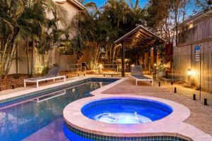 The swimming pool at or close to Gosamara Apartments
