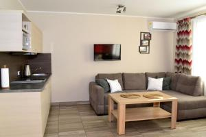 A kitchen or kitchenette at Comfort-24