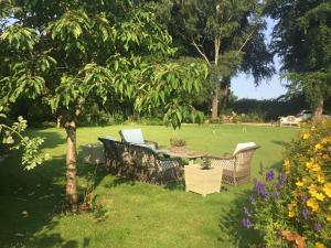 A garden outside Forthay Bed and Breakfast