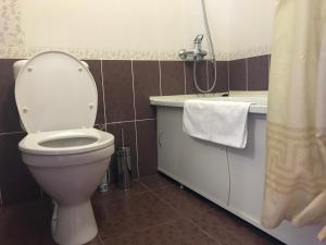 Ванная комната в Dinastiya