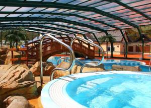 The swimming pool at or close to Cardigan Bay Holiday Park