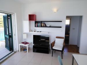 TV o dispositivi per l'intrattenimento presso Apartment Karmelo