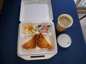 Завтрак для гостей Auberge Champetre