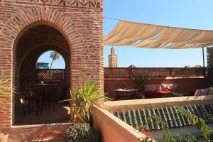 Ein Balkon oder eine Terrasse in der Unterkunft Riad Samsara