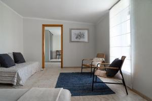 A seating area at Papes-house