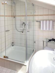 A bathroom at Ferienwohnungen Wendelstein