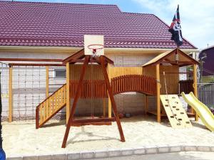 Детская игровая зона в ЦЕНТРАЛЬНЫЙ гостевой дом