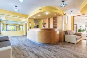 De lobby of receptie bij Hotel Bonsai