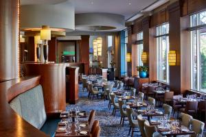 A restaurant or other place to eat at Renaissance Montgomery Hotel & Spa at the Convention Center