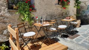 A porch or other outdoor area at Maison La Saxe