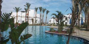 The swimming pool at or near Sunterra Resort