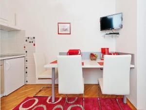 TV/Unterhaltungsangebot in der Unterkunft Apartments Brioni Colors