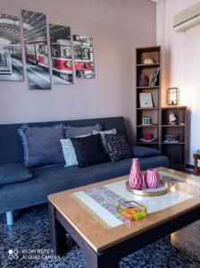 A seating area at Nansy's Cosy Place