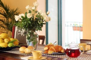 Breakfast options available to guests at Palazzo Verone
